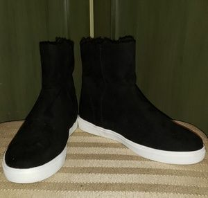 Mossimo zip up faux fur lined booties